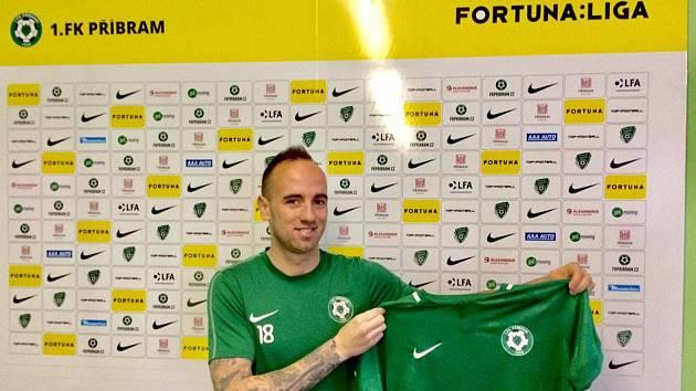 První zimní posilou 1. FK Příbram se oficiálně stal Tomáš Jablonský.