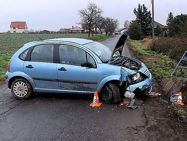 NEHODA Z 27.11. u Kotenčic po najetí na krajnici a nárazu do můstku.