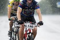 Vedro i bouřky. Závodníci dvoudeního cyklistického orientačního závodu si vyzkoušeli vše.