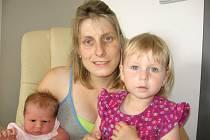 Anička Zárubová prvně otevřela očka v pondělí 5. srpna, vážila 3,99 kg a měřila 51 cm. Radost z nejmladšího člena rodiny mají rodiče Hana a Miroslav a skoro tříletá sestřička Barunka z Ostrova u Tochovic.