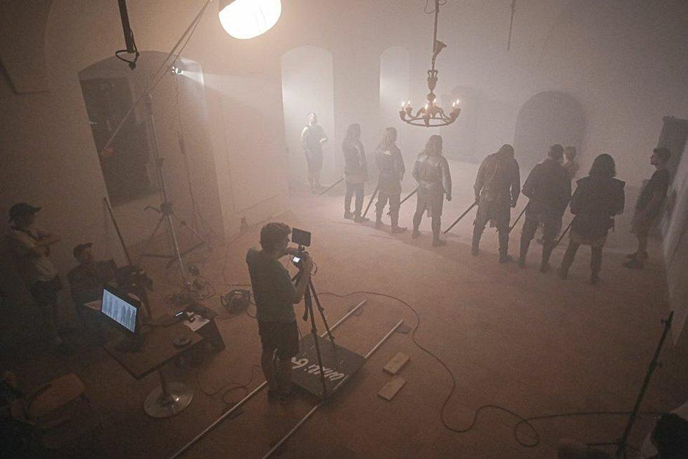 Z natáčení filmu Horn of Gonor: rožmitálský zámek nahradil Minas Tirith.