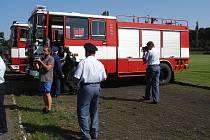 Součástí soutěže O pohár starostky města Březnice bylo i slavnostní předávání cisterny tamním dobrovolným hasičům
