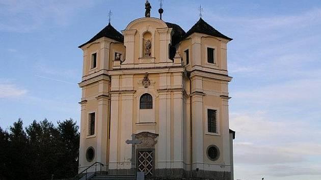Maková hora - Kostel zasvěcený svatému Janu Křtiteli a Panně Marii Karelské