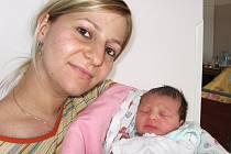 Od úterý 28. dubna má maminka Pavlína spolu s tatínkem Davidem z Příbrami radost z prvního děťátka – dcerky Michaely Kárászové, která má ze dne narození u jména zapsánu váhu 2,73 kg a míru 47 cm.
