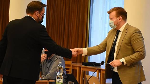 Moniku Ciklerovou po její rezignaci v řadách příbramských zastupitelů nahradil Jan Schneider (vpravo).