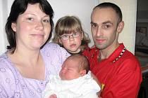 V pondělí 8. června si maminka Lucie spolu s tatínkem Jindřichem z Příbrami poprvé pochovali synka Jindřicha Jiruška, kterému sestřičky v porodnici v ten den navážily 4,37 kg a naměřily 53 cm. Velkou radost z malého brášky má dvouapůlletá Sofinka.
