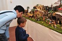 V příbramském Zámečku byla ve čtvrtek zahájena výstava betlémů.