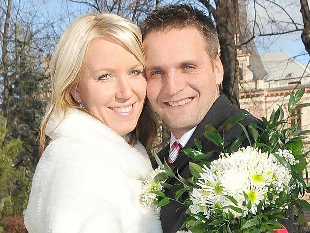 """V sobotu 28. listopadu ve 12 hodin si řekli své """"ano"""" Lenka Kozmérová a David Rácz. Svatební obřad novomanželů Ráczových se uskutečnil v příbramském Zámečku."""