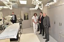 Ze slavnostního otevření nového gynekologicko-porodnického oddělení v Oblastní nemocnici v Příbrami.