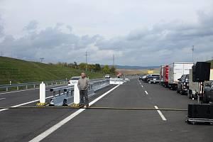 Ministerstvo dopravy a francouzský koncesionář finančně uzavřeli projekt dostavby dálnice D4 mezi Příbramí a Pískem (ilustrační foto).