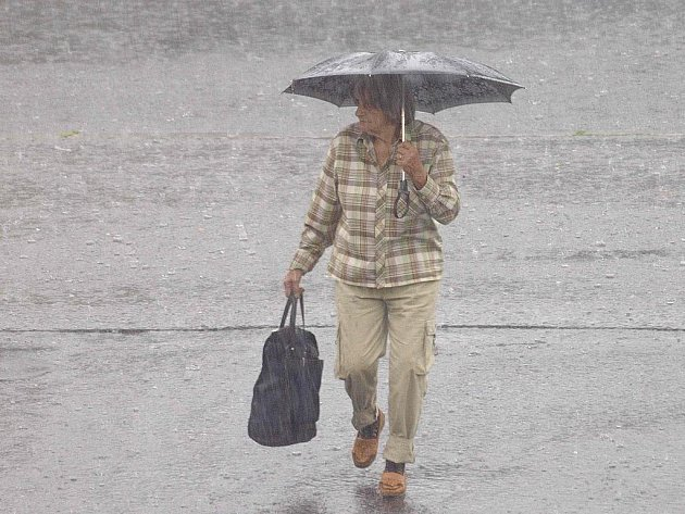Příbramskem se ve středu několikrát přehnala bouře s intenzivním deštěm.