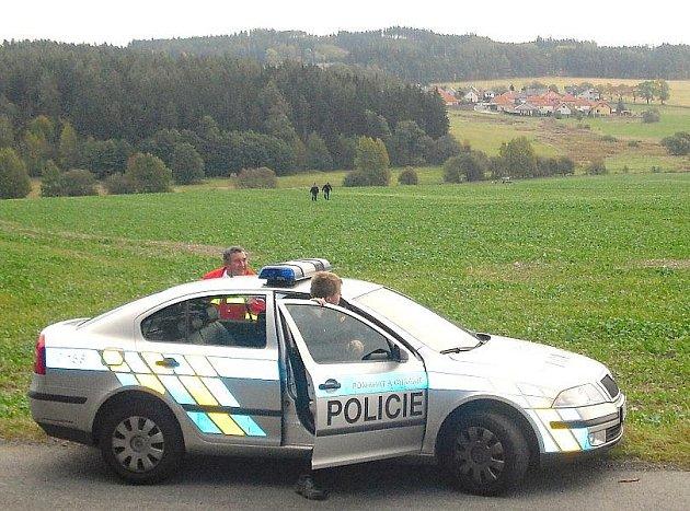 Pole, na kterém traktorista nalezl tělo mrtvého muže