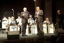 První Benefiční koncert Farní charity Příbram v divadle vynesl přes 60 tisíc korun.