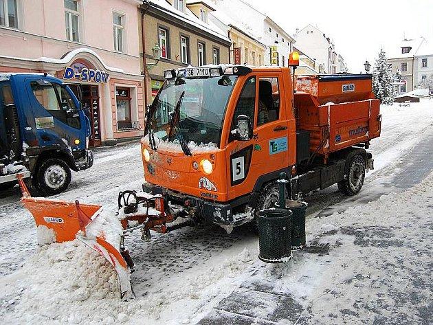 Úklid sněhu v Příbrami.