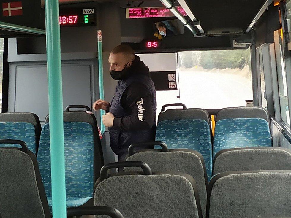 Cestování autobusem z Příbrami do Prahy.
