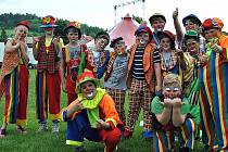 Krásnohorští školáci a předškoláci týden nacvičovali cirkusové umění a měli svá představení. Snímky: archiv školy