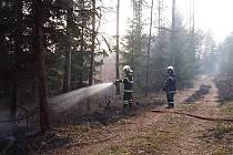 Požár lesa na Vystrkově.