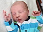 SAMUEL PROCHÁZKA se narodil ve středu 24. května, kdy vážil 2,54 kg a měřil 46 cm. Radost z prvního potomka prožívají rodiče Tereza  a Lukáš z Příbrami.