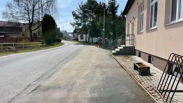 Z úklidu osady Strýčkovy.