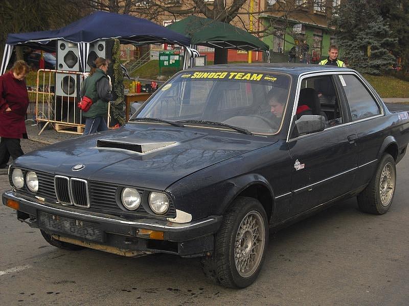 Autoklub Příbram pořádal pro veřejnost Školu smyku.