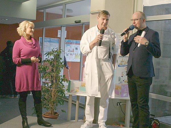 Sprimářem urologie MUDr. Pavlem Hankem si moderátoři povídali oonemocněních močových cest.