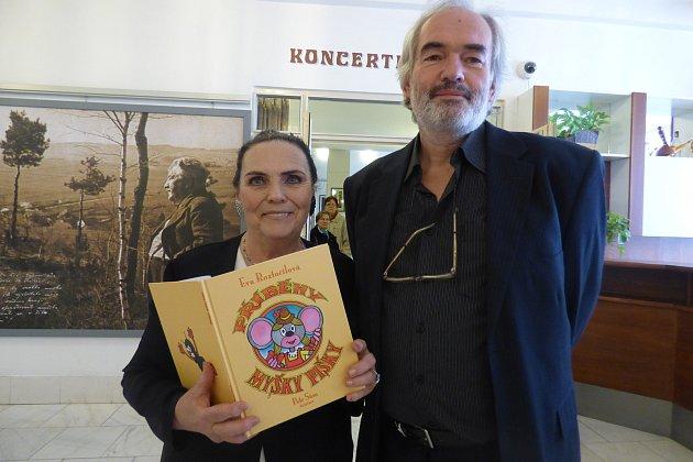 Dávný sen si napsáním a vydáním pohádkové knížky Příběhy Myšky Pišky Eva Roztočilová splnila svůj sen.