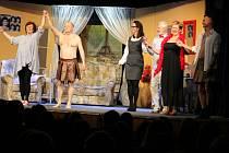 Premiéra komedie Na správné adrese v podání dobříšského ochotnického divadelního spolku Kruh.