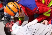 Cvičení záchranářů a zdravotníků v Mníšku pod Brdy při uplynulých ročnících.