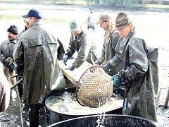 O víkendu se v Rožmitále konala 3. Myslivecko-rybářská slavnost a výlov Sadoňského rybníka.