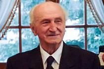 Zemřel Cyril Velebil.