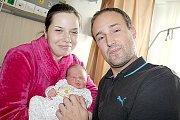RODIČE Mirek a Alena z Radětic se radují ze svého prvního potomka, Tomáška Pouchaniče. Narodil se ve středu 19. října, vážil  3,74 kg a měřil 50 cm.