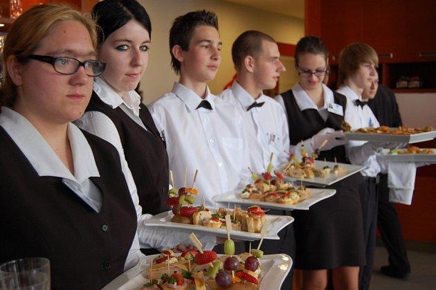 Slavnostní otevření obnovené restaurace integrované školy Na Plzeňské.