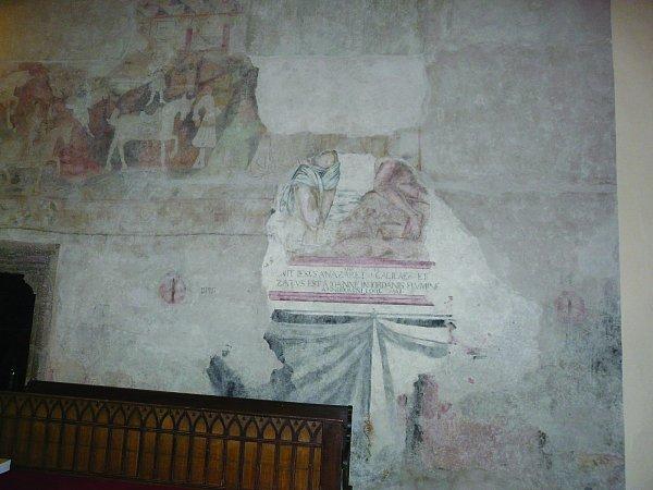 OBNOVENÉ  FRAGMENTY  zKlanění Tří Králů a Křest Krista vJordánu dělí několik staletí.