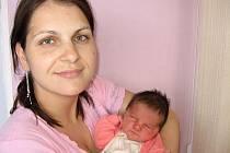 Od pondělí 5. července má maminka Jana spolu s tatínkem Petrem z Krásné Hory radost ze svého prvního štěstíčka – dcerky Lucinky Maškové, která po narození vážila 3,68 kg a měřila 49 cm.