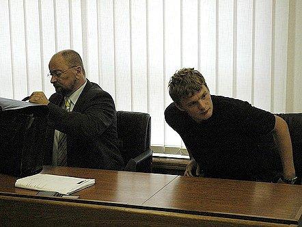 Fotbalista Jakub Řezníček u příbramského soudu