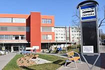 Autobus se bude otáčet na novém parkovišti u nemocnice.