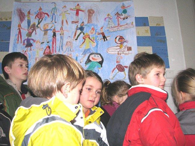 Žáci Základní školy Jiráskovy sady v Příbrami jsou na výstavu výkresů pyšní