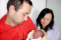 Matyáš Putík, synek maminky Kateřiny a tatínka Miroslava z Kamýku nad Vltavou, poprvé spatřil svět ve středu 16. října, vážil 2,94 kg a měřil 48 cm. Radost z brášky mají sedmiletý Adam a devítiletá Tereza.