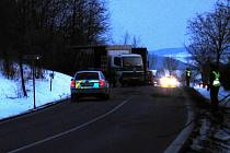 Nehoda nákladního vozu u Vranovic.