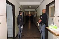 Z policejní razie zaměřené na odhalování drogové trestné činnosti ve Věznici Příbram.