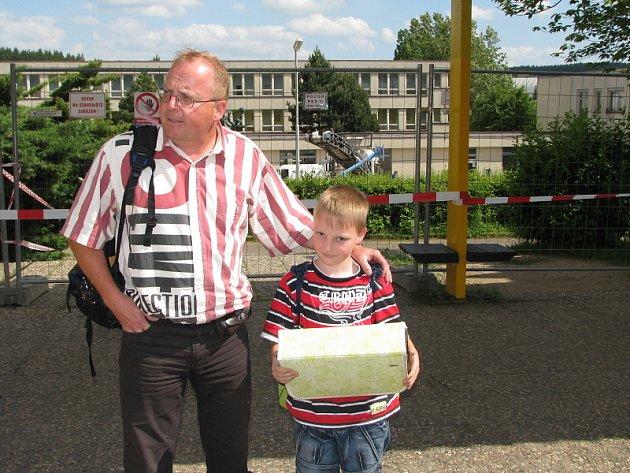 Modernizace Základní školy ve Školní ulici v Příbrami zřejmě prodlouží dětem prázdniny