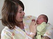 STELINKA DALASOVÁ se narodila v neděli 21. května rodičům Vlastě a Jannisovi z Příbrami. V ten den vážila 3,29 kg a měřila 49 cm. Dětstvím ji bude provázet dvouletý bráška Nikos.