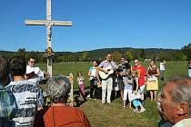 Žehnání kříži u Zalán.