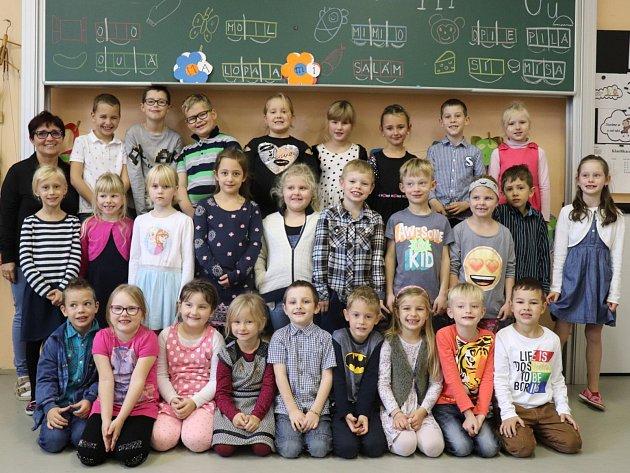 Prvňáčci ze třídy 1.B ze ZŠ 28.října vPříbrami ve školním roce 2019/2020.