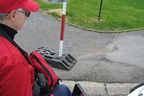 Příbramští vozíčkáři považují cestu po městě za horor