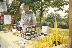 Farmářské trhy se v Příbrami konaly poprvé u Hořejší Obory.