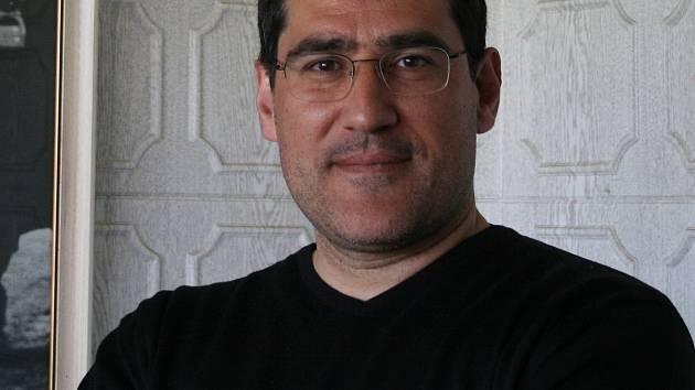 Massimo Morales.