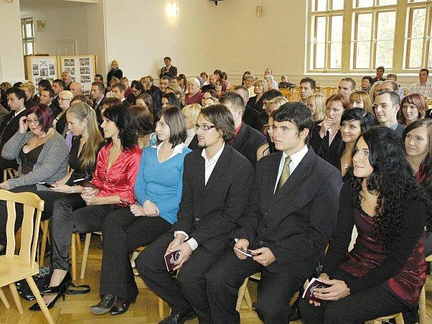 Studenti příbramské pobočky Vysoké školy evropských a regionálních studií.