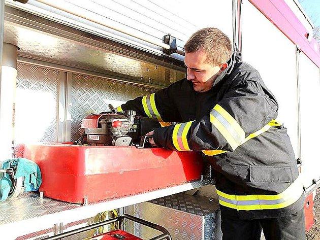 Cvičení příbramských hasičů.