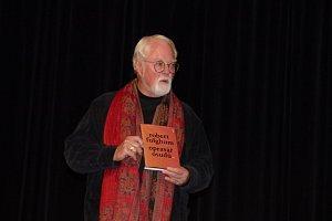 Světově proslulý americký spisovatel byl v Sedlčanech v obležení čtenářů
